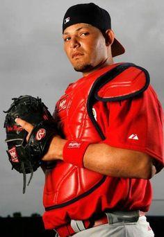 Yadier Molina Baseball Gear, Braves Baseball, Baseball Players, Nfl Football, Baseball Quotes, Baseball Stuff, Softball, St Louis Baseball, St Louis Cardinals Baseball