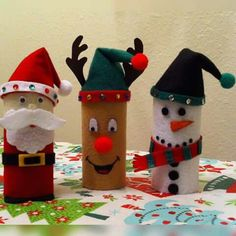 Christmas toilet paper rolls craft How cute The post Easy and Fun Christmas Crafts for Preschoolers to Make appeared first on Dessert Park. Fun Christmas Activities, Santa Crafts, Christmas Crafts For Kids To Make, Homemade Christmas Cards, Christmas Tree Crafts, Snowman Crafts, Kids Christmas, Holiday Crafts, Reindeer Craft