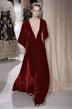 Couture Week podyumlarından seçmeler bugün Shukineshu'da #moda #stil #trend #kadingiyim