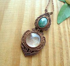 Crystal quartz macrame necklace crystal healing by SelinofosArt