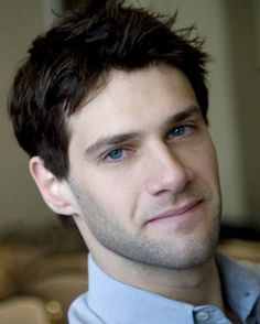 """Justin Bartha - Sorry Scooter: If JB showed up at our door step and said """"Marry me, Jose"""" you might find yourself 'Cupcake-less'..."""