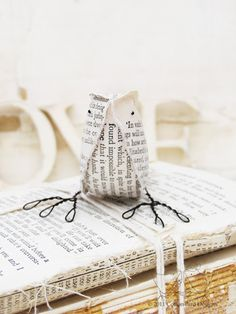 My Passion for Book Page Crafts – Town & Country Living The only true book owl! Old Book Crafts, Book Page Crafts, Book Page Art, Old Book Pages, Old Books, Book Art, Paper Birds, Paper Flowers, Sheet Music Crafts