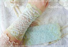 Brautstulpen - Brautstulpen COLORAL Spitzenstulpen Hellblau Braut - ein Designerstück von rosenknopf bei DaWanda