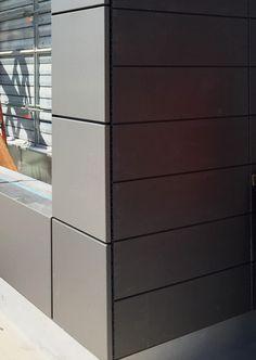 Inexpensive Home Decorating Ideas Interior Cladding, House Cladding, Metal Cladding, House Siding, Cladding Ideas, Facade Design, Wall Design, Exterior Design, House Design