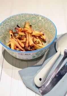 Pastinaak frieten uit de oven Veggie Recipes, Vegetarian Recipes, Snack Recipes, Healthy Recipes, Skinny Recipes, Diner Recipes, Clean Eating Recipes, Tapas, Healthy Snacks