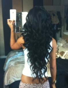 i wannnnt my hair to be this long, and curl prettyyy like this!!