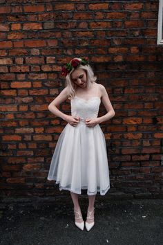 Wilderness Bride dress  Fletcher Foley flowers  Jenn Brookes photography