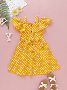 To find out about the Toddler Girls Polka Dot Open Shoulder Belted A-line Dress at SHEIN, part of our latest Toddler Girl Dresses ready to shop online today! Kids Dress Wear, Kids Gown, Girls Party Dress, Toddler Girl Dresses, Dresses For Toddlers, Girls Summer Dresses, Kids Wear, Girls Dresses Sewing, Baby Dresses