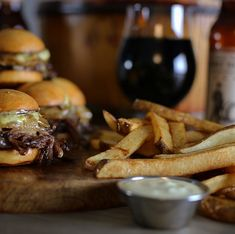 Beer-Braised Short Rib Sliders with White Cheddar, Caramelized Onions and Black Pepper Aioli #shortrib #sliders #cheddar #aioli #beer #rootbeer #hardrootbeer