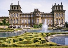 Get fascinating anecdotes about how Downtown Abbey was filmed!