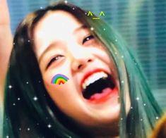 Aesthetic Songs, Kpop Aesthetic, Chica Cool, Kpop Girl Bands, Meme Stickers, Twitter Icon, The Wiz, Girl Crushes, K Idols