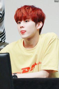 160505 UP10TION Busan FansigningWooshinCr:  우비소년  Do not edit