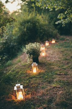 outdoor wedding party- guide your guests with romantic lanterns Forest Wedding, Farm Wedding, Garden Wedding, Rustic Wedding, Wedding Reception, Dream Wedding, Wedding Night, Trendy Wedding, Hobbit Wedding