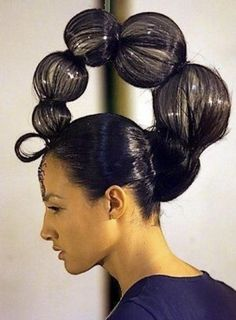 funky scorpion hair style. Crazy Hair For Kids, Crazy Hair Days, Ball Hairstyles, Braided Hairstyles, Fantasy Hairstyles, Crazy Hairstyles, Formal Hairstyles, High Fashion Hair, Competition Hair