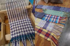 Circle Weaving (Beginner) Circle Weaving is often called Wagon Wheel weaving when fabric is used. In this class students will be weaving in a circular movement with yarn to create a a small rug. Types Of Fibres, Wagon Wheel, Small Rugs, Fiber, Weaving, Knitting, Fabric, Tejido, Tela