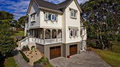 Auckland, New Zealand • Beautiful five bedroom Home in Devonport, Auckland! • VIEW THIS HOME ► https://www.homeexchange.com/en/listing/88676/