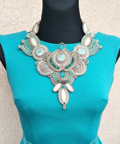Jade Dragonfly - fancy soutache competition necklace in taupe and lucid green collana soutache, collier soutache, collar soutache