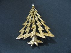 Trifari gold tone Christmass tree  brooch pin #Trifari