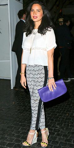 Olivia Munn - and a pop of colour, loving this look