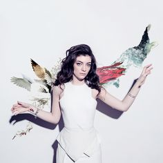 LORDE I'm little but I'm coming for the crown.