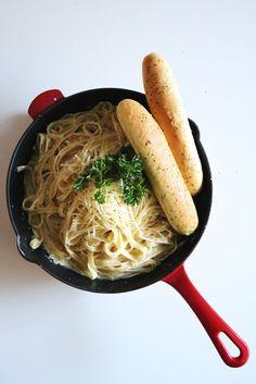 Fettuccine Alfredo Recipe | Olive Garden Inspired For Date Night At Home | One Pan Recipe | Breadsticks |