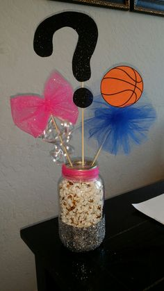 Gender reveal basketball or bow theme. Geschlecht offenbaren Basketball o… Basketball Gender Reveal, Gender Reveal Gifts, Gender Reveal Themes, Gender Reveal Party Decorations, Baby Gender Reveal Party, Gender Party, Reveal Parties, Baby Party, New Baby Products