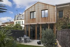 Interesting Wood slat Rainscreen Extension Bois by Benoit ROBEIN Architecture Résidentielle, Vernacular Architecture, Home Structure, Magical Home, Live In Style, Construction, House Extensions, Outdoor Living Areas, Classic House