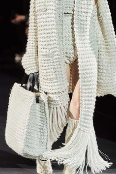 Dolce & Gabbana Fall 2020 Ready-to-Wear Collection - Vogue Knitwear Fashion, Knit Fashion, Fashion Week, Fashion 2020, Fashion Show, Fashion Outfits, Womens Fashion, Fashion Trends, Fashion Fashion