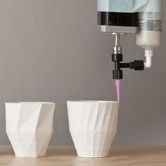 CNC Ceramics, stratigraphic manufactury  inspired by folded models,  by Unfold.