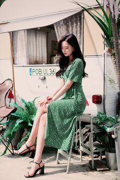 milkcocoa Kpop Fashion Outfits, Korean Outfits, Women's Fashion Dresses, Girl Fashion, Fashion Show, Girl Outfits, Fashion Design, Womens Fashion, Korean Beauty Girls
