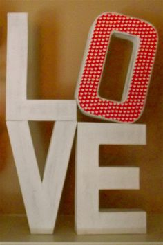 DIY Valentine's Day - Decorative LOVE Letters