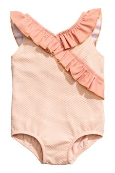 Swimsuit with a frill- Kostium kąpielowy z falbanką Swimsuit with frill – Powder pink – Child Cute Girl Outfits, Toddler Girl Outfits, Baby Girl Fashion, Fashion Kids, H&m Kids, Children, Baby Swimsuit, Girls Bathing Suits, Toddler Girl Style