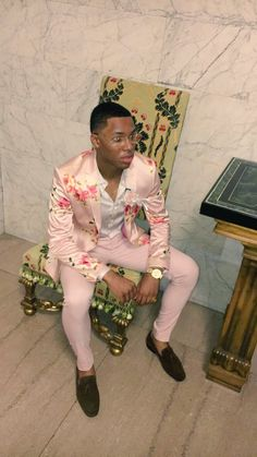 Western Fashion: Comely Suit Outfits for Men Prom Outfits For Guys, Suits For Guys, Prom For Guys, Prom Suits For Men, Prom Clothes For Guys, Pink Prom Suit, Pink Suit, Prom Tuxedo, Mens Fashion Suits