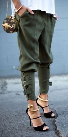 """Love the relaxed styling of these trendy and cozy buckled-hem army green harem pants. (Shop link in bio)"" Mode Style, Style Me, Flat Style, Trendy Outfits, Fashion Outfits, Womens Fashion, Fasion, Holiday Outfits, Fashion Pants"