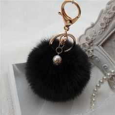 Hot Sale, Fluffy Ball Keychain Cute Pompom Simulation Rabbit Fur Ball Key Chain For Car Key Ring Car Bag Pendant Chaveiro