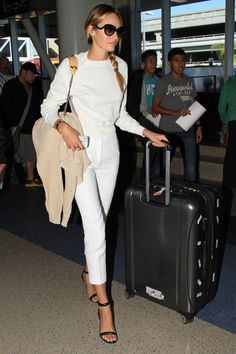 What to Wear on an Airplane: Model Airport Outfits to Copy: Glam Radar waysify