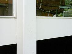 Wide flange steel support column detail - condition at floor. Architecture Images, Architecture Details, Bauhaus, Farnsworth House, Support Columns, Ludwig Mies Van Der Rohe, Lower Deck, Flooring, Mirror
