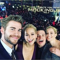 Liam Hemsworth, Jennifer Lawrence, Josh Hutcherson und Elizabeth Banks am 4. November 2015 in Berlin.