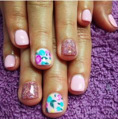 How to Get Nice Nails. Do you want nice-looking nails that don't easily break? If you're tired of having stubby or broken nails it's time for a nail makeover. Fancy Nails, Pretty Nails, Nice Nails, Ten Nails, Broken Nails, Manicure Y Pedicure, Dipped Nails, Hair Skin Nails, Chrome Nails