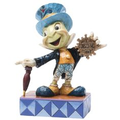 Disney Traditions Jiminy Cricket Official Conscience figurine is by Enesco. From Disney gift collection designed by Jim Shore. Features Jiminy Cricket and his official conscience. Walt Disney, Disney Home, Disney Magic, Disney Art, Disney Movies, Disney Pixar, Disney Characters, Pinocchio Disney, Disney Style
