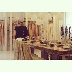 PRIVATSACHEN #privatsachen #coconcommerz #hamburg #lagenlook #layeredlook #fashion #art #eco #sustainable #natural #handdyed #linen #silk #cotton #style #showroom
