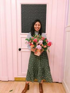 How to wear boots with midi skirts : Spring Fashion, Autumn Fashion, London Fashion Bloggers, Fashion Tips For Women, Womens Fashion, Pleated Midi Skirt, Midi Skirts, Grey Turtleneck, Winter Skirt