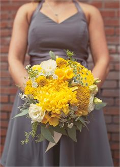 a sunny yellow bouquet by Thistle Dew Floral.  Photo by Jackie Wonders.