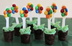 Flower Pot cakes so cute!!  Emily and Juliette would love making these