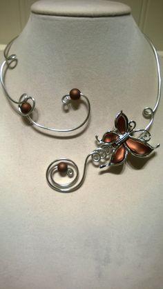 Women gift Brown jewelry Butterfly jewelry by LesBijouxLibellule - Wire Necklace, Metal Necklaces, Collar Necklace, Brown Necklaces, Black Jewelry, Unique Jewelry, Jewelry Ideas, Diy Jewelry, Bridesmaid Jewelry