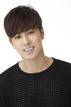 TVXQ's Yunho enlists as an active duty soldier to carry out his military service | http://www.allkpop.com/article/2015/07/tvxqs-yunho-enlists-as-an-active-duty-soldier-to-carry-out-his-military-service