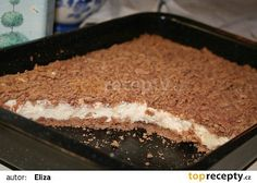 Strouhaný koláč s banánovou náplní recept - TopRecepty.cz