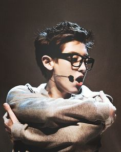 Find images and videos about kpop, exo and chanyeol on We Heart It - the app to get lost in what you love. Chanyeol Baekhyun, Exo K, Baekyeol, Chanbaek, K Pop, 5 Years With Exo, Exo Ot12, Exo Members, Reality Tv