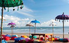 Eine Bar direkt am Strand von Kuta © Shutterstock.com