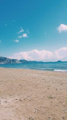 Kalamaki beach zakhyntos on September #kalamaki #beach #zakhyntos #zakintos #greece #travel_greece #sea